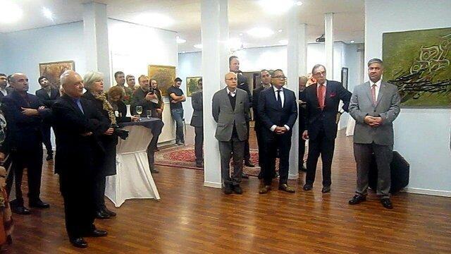 افتتاح نمایشگاه نقاشی خط هنرمند ایرانی در هلند