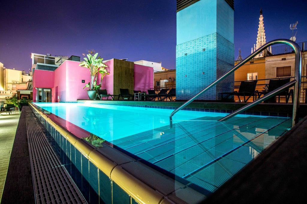 اقامت در هتل کتدرال بارسلونا در اسپانیا