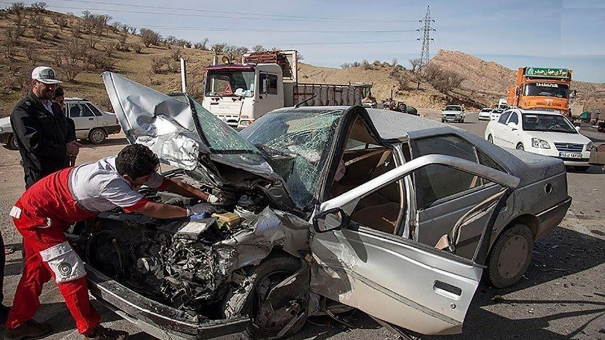 یک کشته و 2 مجروح در واژگونی پژو پارس در محور کوار-شیراز