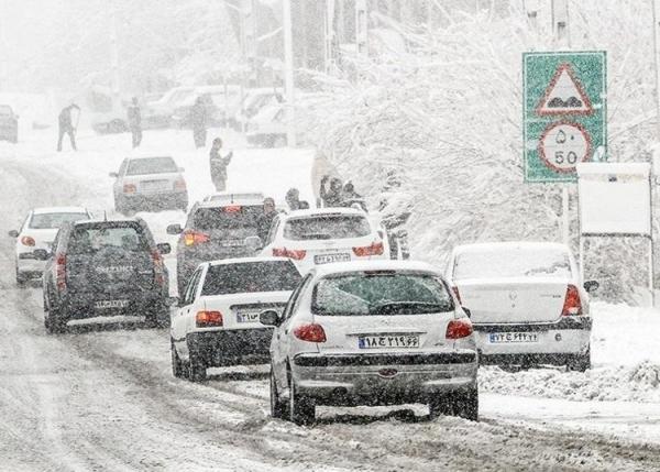 برف و باران در جادههای 10 استان