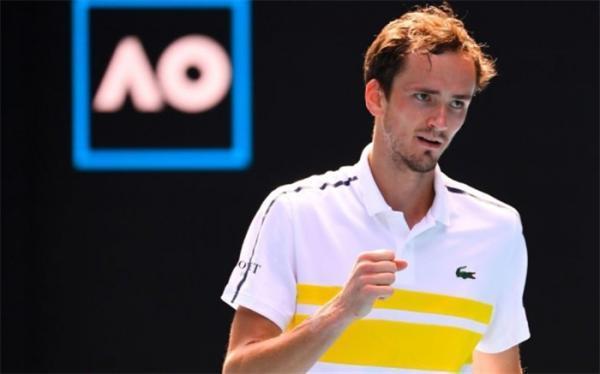 تنیس اوپن استرالیا؛ غول روسیه ای با اقتدار به یک چهارم رسید