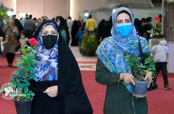 تصاویری از نمایشگاه تخصصی کشاورزی و گل در یزد