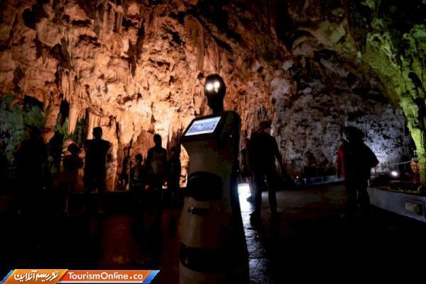 پرسفونه، اولین ربات راهنمای گردشگری در یونان
