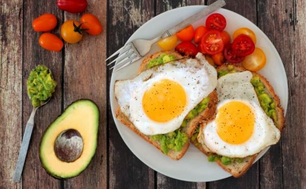 صبحانه، برترین وعده برای کاهش تری گلیسیرید؛ 5 پیشنهاد غذایی