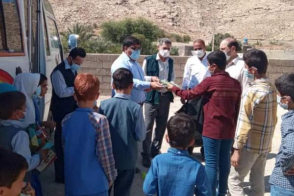 ساخت و ساز ویلا: کتابخانه سیار کانون پرورش فکری بچه ها و نوجوانان خوزستان به روستای دره اسطل باغملک رفت